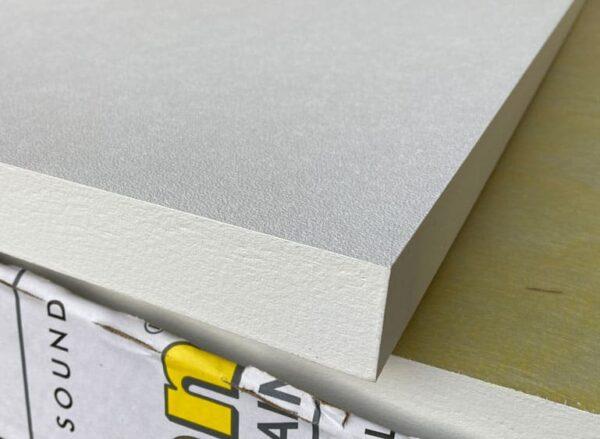 detalje af kanten og overfladen af Master Magnet akustikpladen