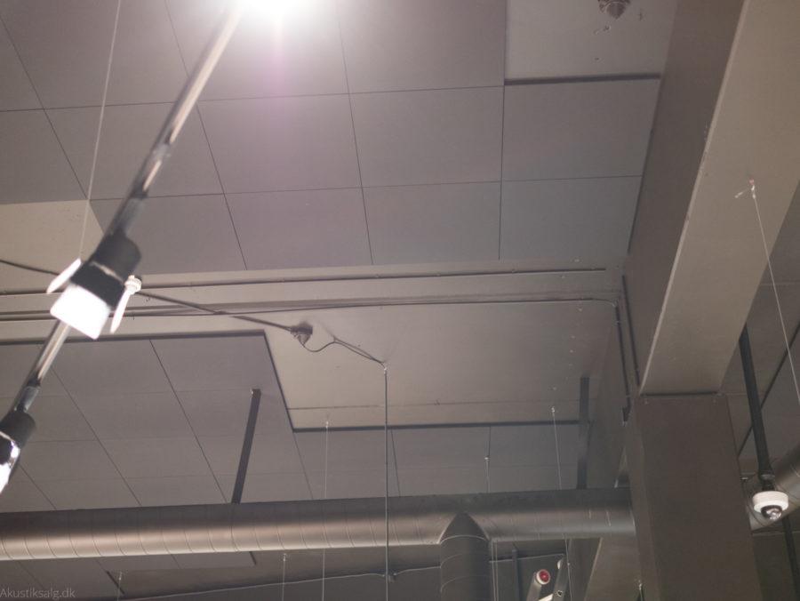 akustikloft oplimet og tilskåret af akustiksalg.dk